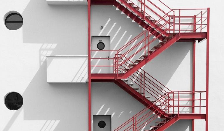 Yangın Merdiveni, yangın merdiveni kapısı, fiyatı, ölçüleri, modelleri.